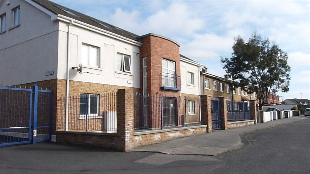 Schoolhouse Lane