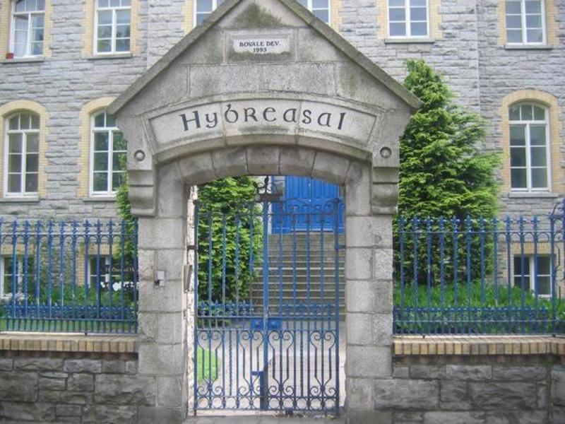 Hybreasal House