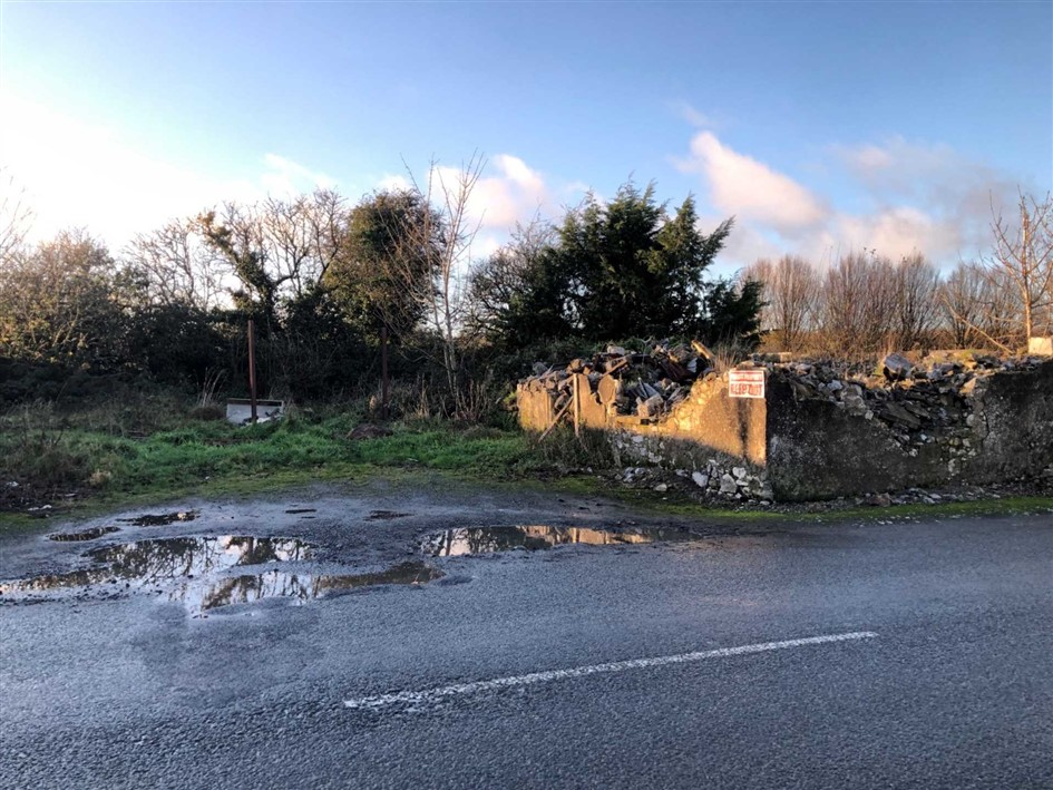 Cottage & 5 acres, Moyglass, Fethard