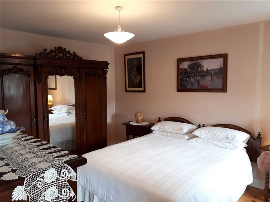 Madeline's Restaurant and B&B, Dwyer Square, Tinahely, Co. Wicklow
