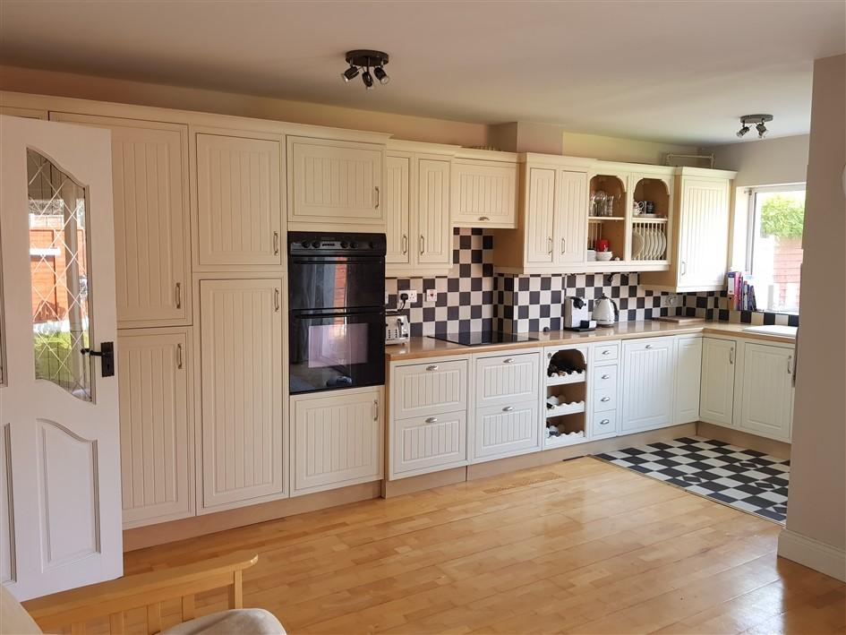 10 Chestnut Grove, Bridgemount, Carrigaline, Co. Cork