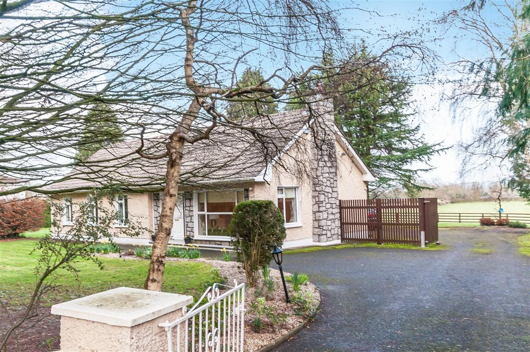 Sherlockstown,Sallins, Co. Kildare – Detached Bungalow on c.5 acres, W91V8K7