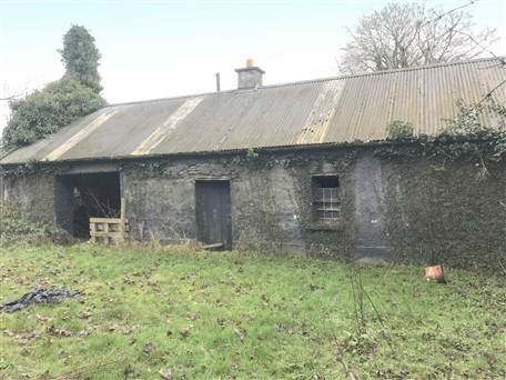 Blackshade, Longwood, Co. Meath –  Derelict Residence on Approx. 54 acres (21.8 ha)