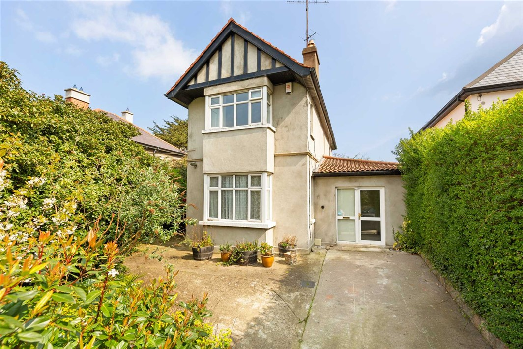 Crevilla, 8 Alma Road, Monkstown, County Dublin, A94 T6R7