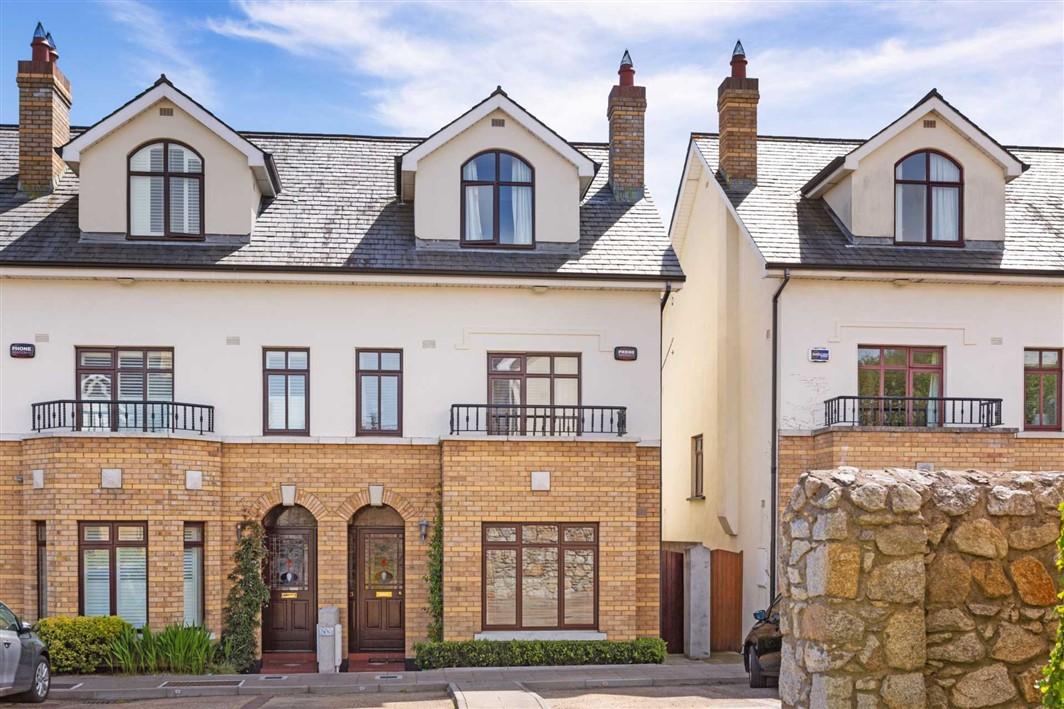 3 Elton Court, Castlepark Road, Sandycove, County Dublin, A96 R272