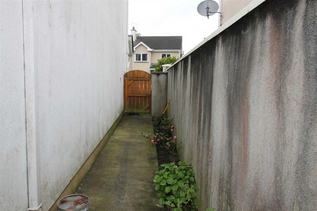 6 Raiskeen Place, Clonmellon, Co Westmeath