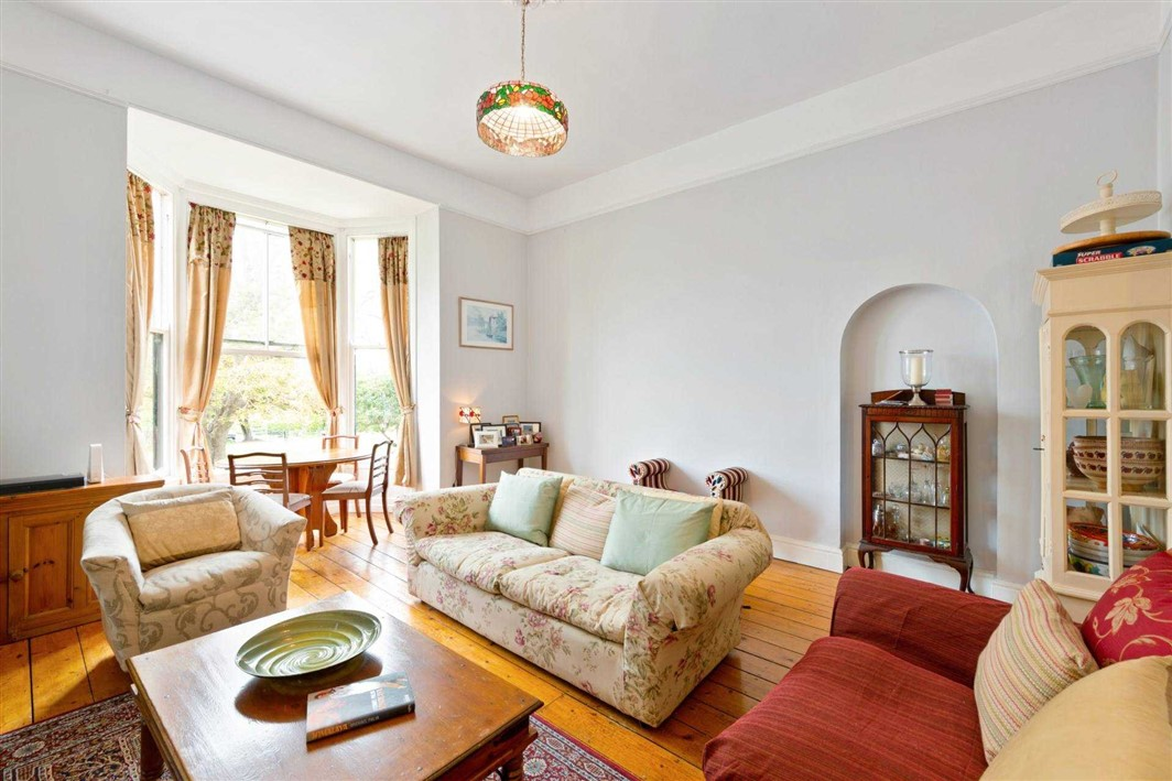 1 Eaton Square, Hall Apartment, Monkstown, County Dublin, A94 XP27