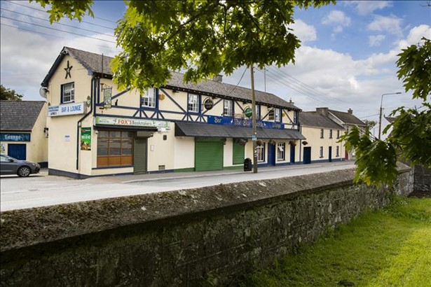 The Blue Hackle, Delvin, Westmeath