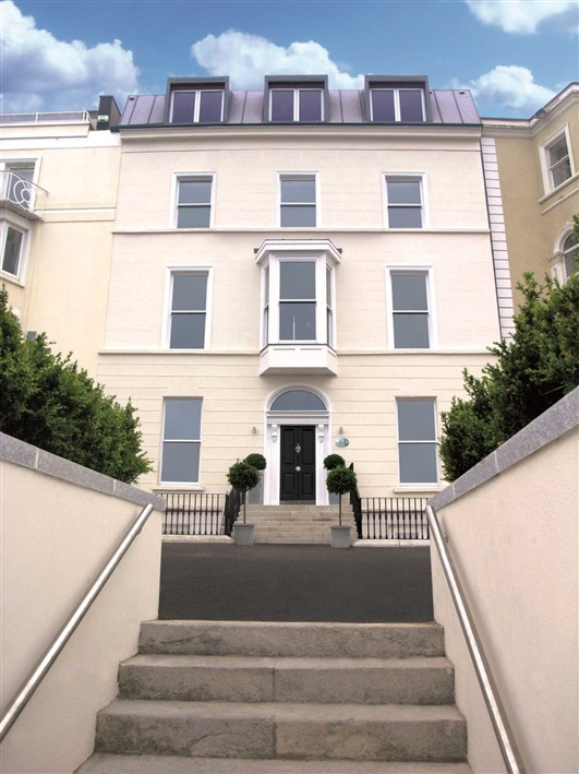 17 The Pierre, Victoria Terrace, Dun Laoghaire, Co. Dublin