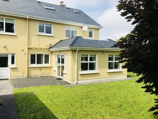 No. 2 Elm Wood, Roslevan, Tulla Road, Ennis, Co. Clare