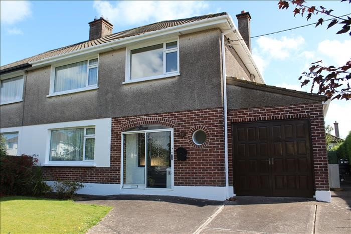 62 The Rise, Curraheen Road,