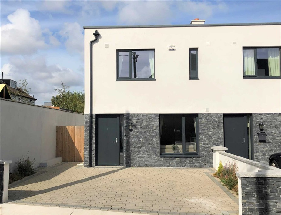 5 Lanesville Grove, Monkstown, County Dublin, A96 HCN8