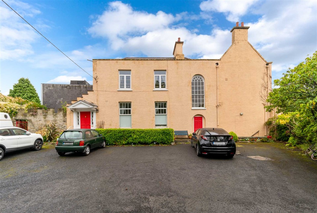 Apt. 3, Woodview House, Glenalbyn Road, Stillorgan, Co. Dublin.