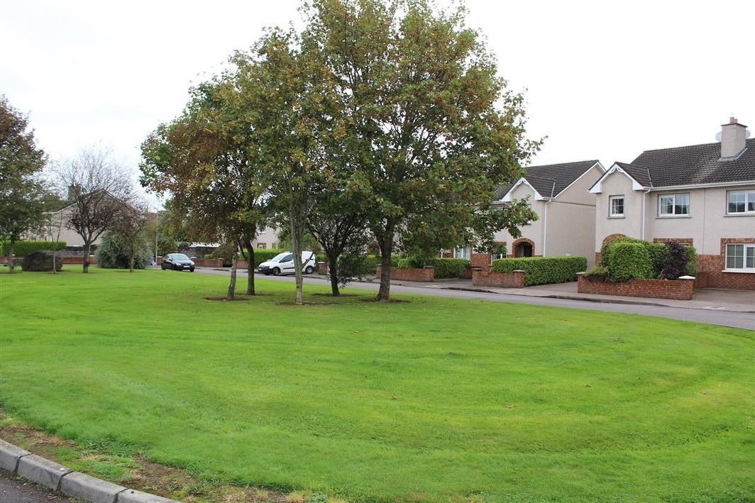 7 Oak Drive, Classes Lake,