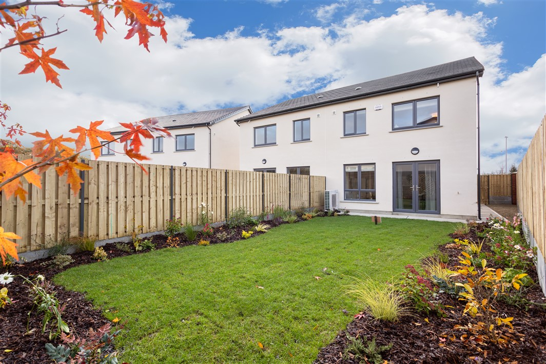 Barnhall Meadows – Barnhall Meadows, Leixlip, Co. Kildare