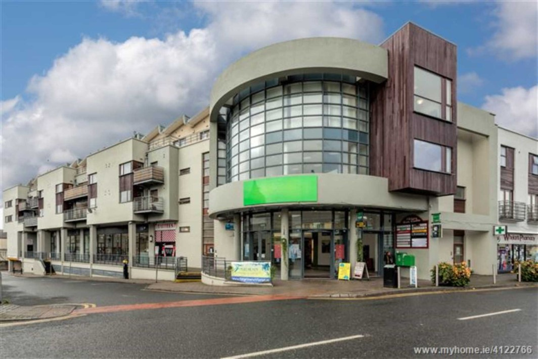 Kildare Town Centre, Claregate Street
