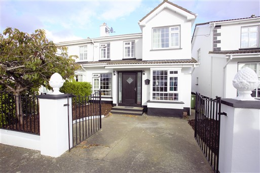 26 The Grove, Kingswood Heights, Kingswood, Dublin 24