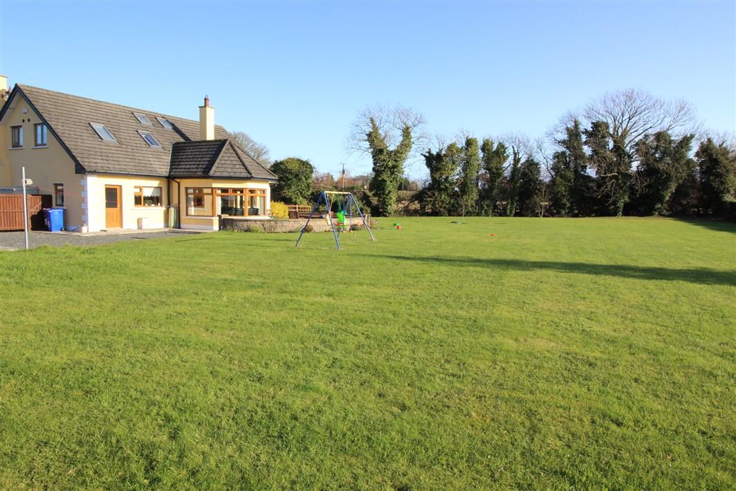 'Little Oaks' Loughtown, Donadea, Kildare, W91 T265