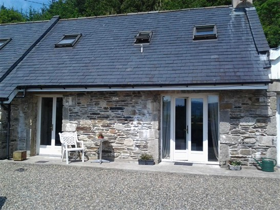 Property for rent, House for rent on Cottage No 2 Rosnastraw Courtyard, Rosnastraw, Tinahely, Co. Wicklow, Tinahely, Wicklow