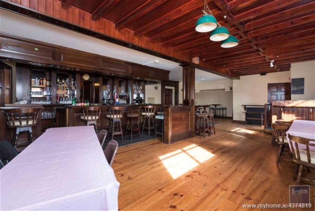Murtagh`s Bar, Aughnacliffe, N39 D7W1