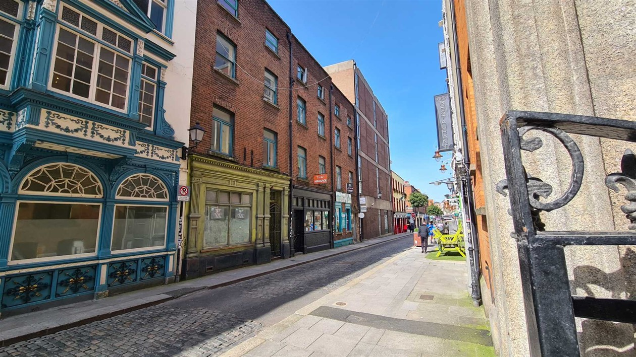 Apt 1, 13 Anglesea Street, Dublin 2, D02 F865