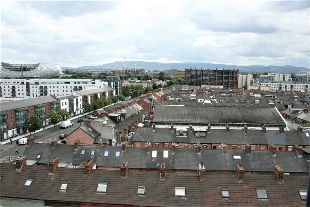 Apartment 502, Shelbourne Plaza, South Dock Road, Dublin 4