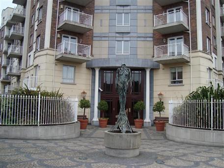 Pembroke Square, Grand Canal Street Upper, Ballsbridge, Dublin 4