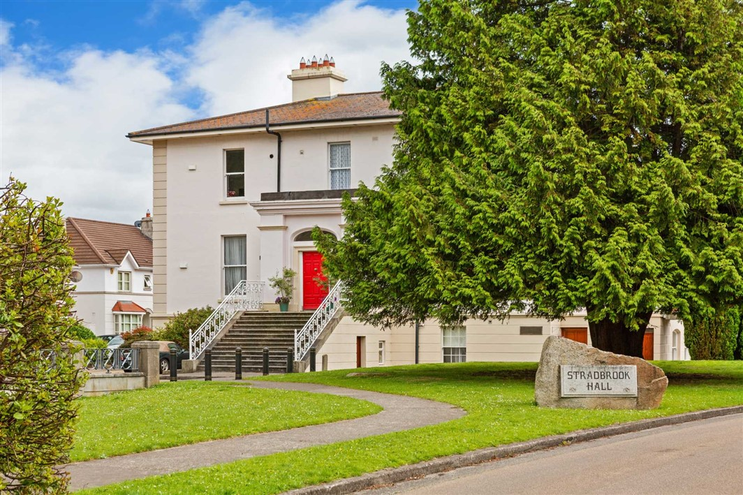 Apt 8 Stradbrook Hall Apartments, Stradbrook Hall, Blackrock, A94 Y967