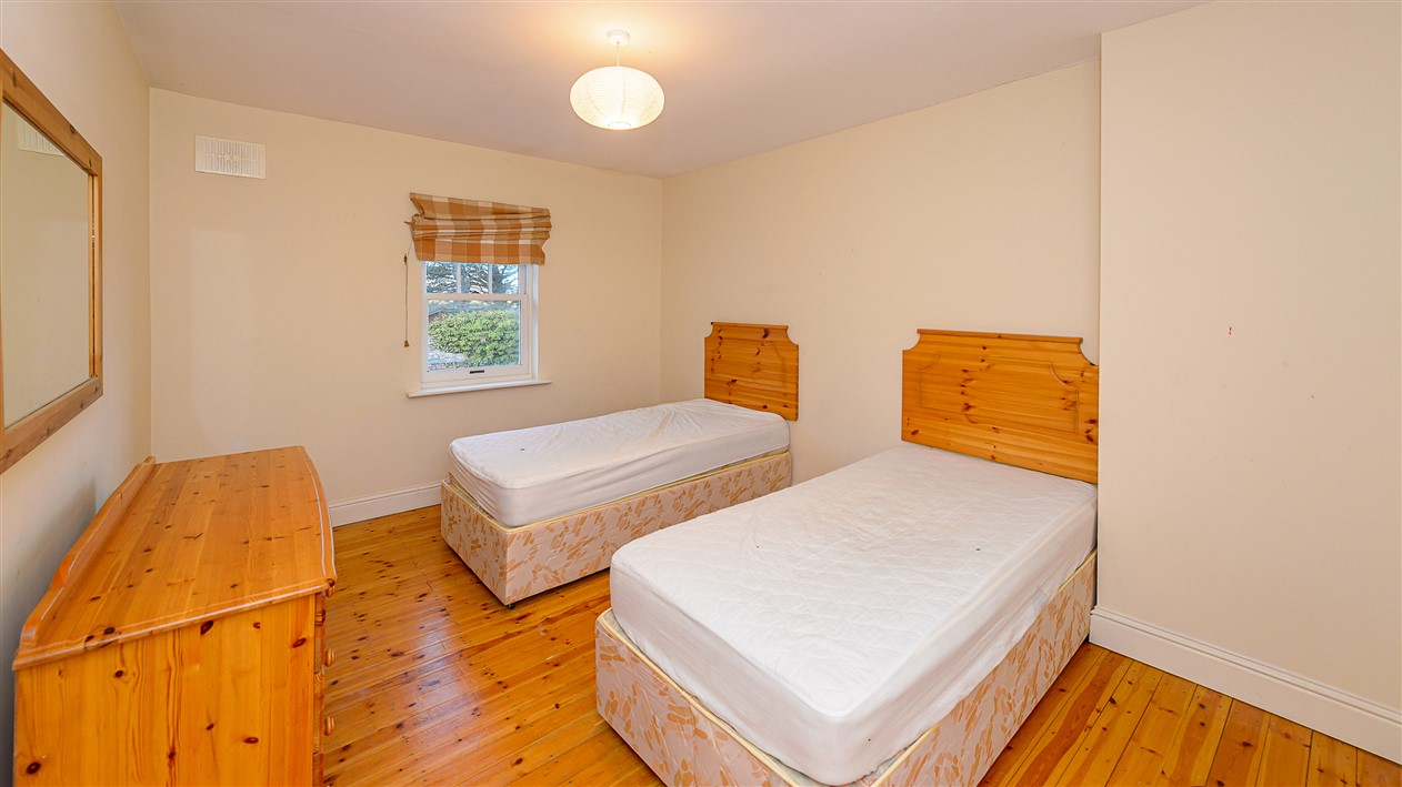 2 The Courtyard, Bettystown, Co. Meath