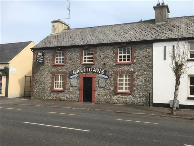 Bedrooms in Main Street, Ballynacarrigy, Westmeath, Westmeath - Commercial.ie