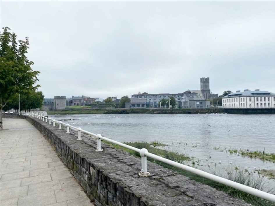 Strandville, Clancy Strand, Limerick, V94 N8FV