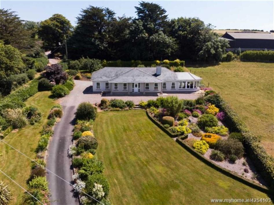 C110 acre Residential Farm Oldcourt, Leamlara, T56 AP82
