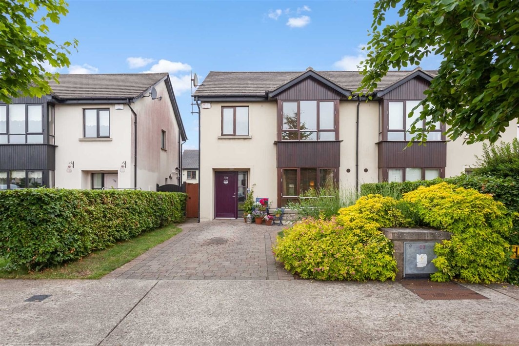 137 Roseberry Hill, Newbridge. Co. Kildare., W12 T625