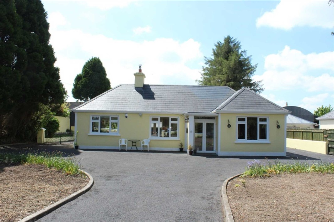 The Blooming Bungalow Ballinlough, Co Roscommon, F45 F866