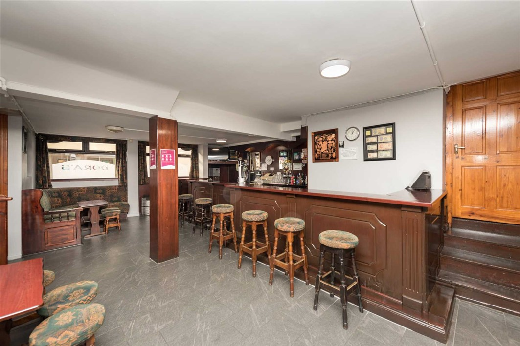 Noras The Gate Bar, Main Street, Carrick-On-Suir, Co. Tipperary, E32 AY66