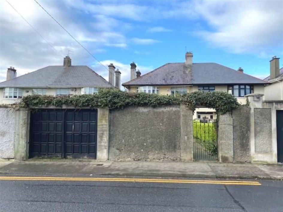 Muckross, South Circular Road, Limerick, V94 RWR1