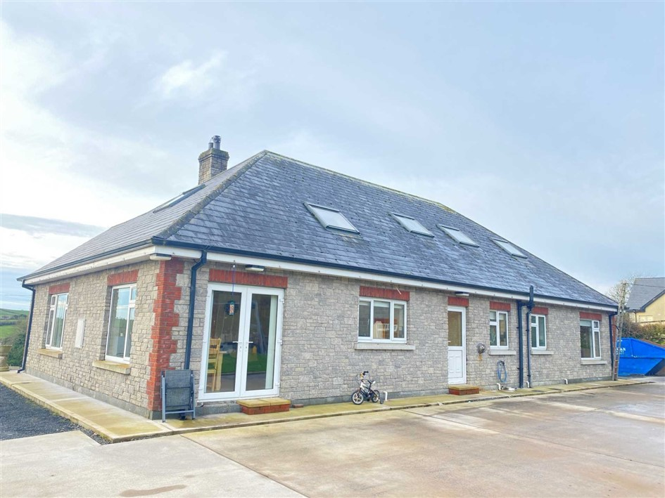 Caislean West, Carrickmacross, Co Monaghan, A81 PD85