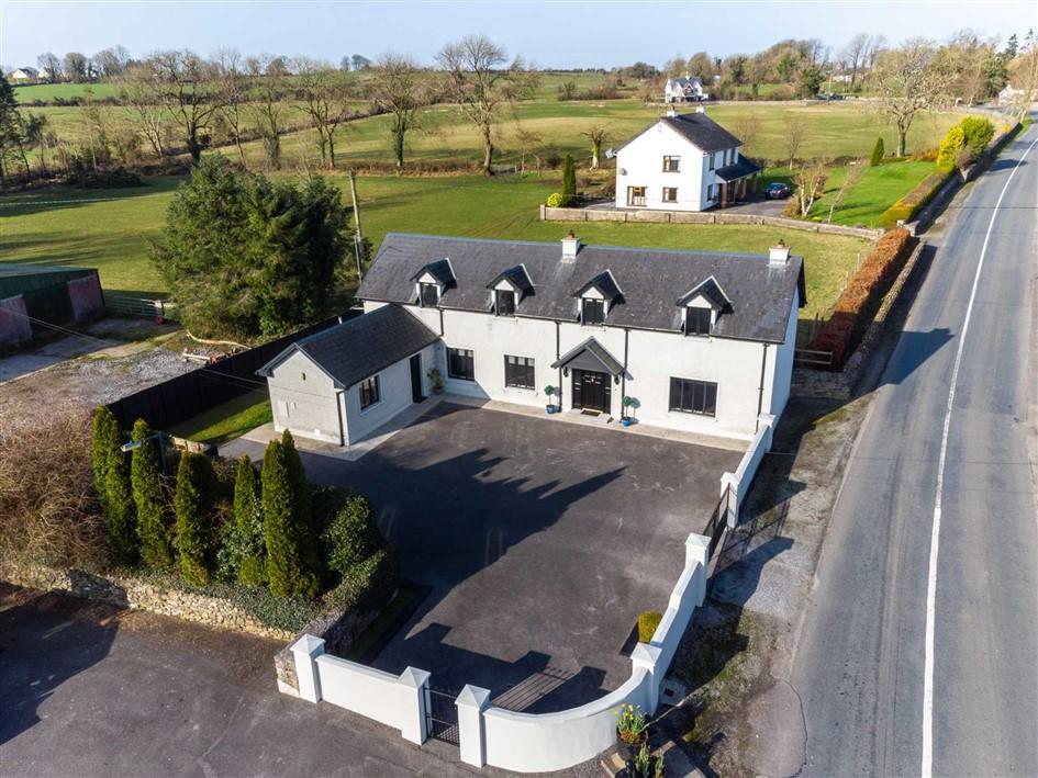 Teach na hOlla, Castlecoote Village, Co. Roscommon, F42 K527