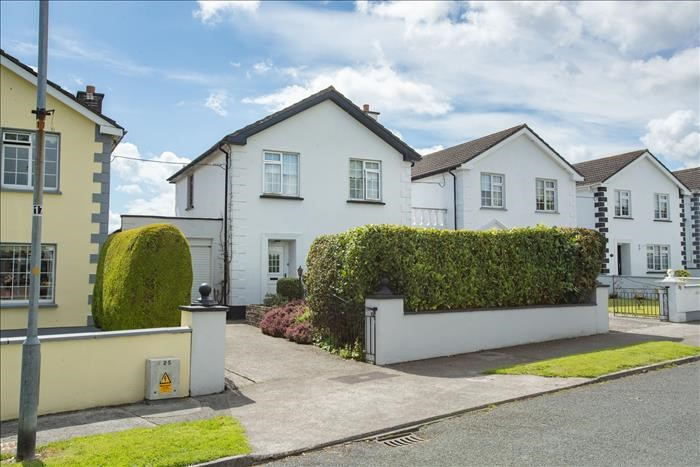 49 Clonmore Heights
