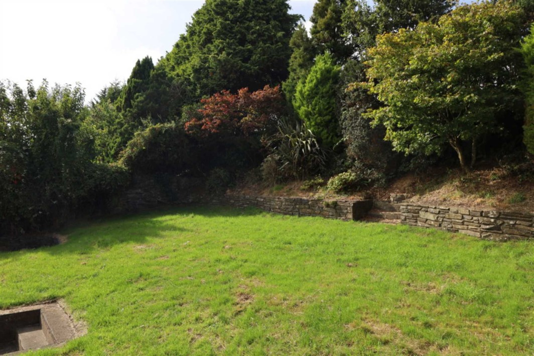 The Gully, Old Chapel, P72 YX29