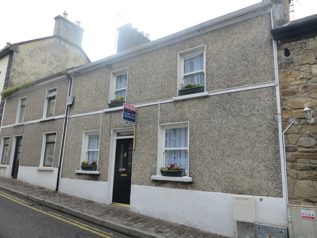 Centre Killaloe - perfect old worlde town house